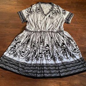 Blacks / white print  dress